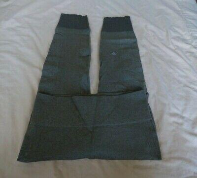 LULULEMON Dark Olive Green Seamless Legging Size 10  FULL  LENGTH  GREAT PRE-OWN