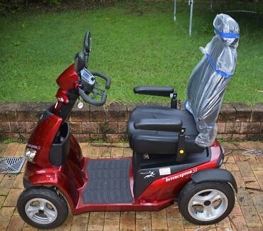 Merits S940A Interceptor S2 Large Mobility Scooter Red AS NEW