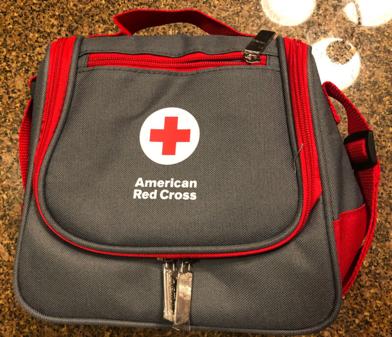 New~American Red Cross~Donation~Zippered Coleman Insulated Lunch Bag