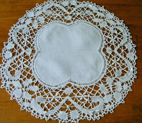 Old Antiques Set of  2 doilies trimmed  with bobbin cluny lace England