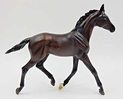 "BREYER ""ZENYATTA'S FIRST COLT"" GILEN MOLD #1490 TRADITIONAL PLASTIC MODEL HORSE"