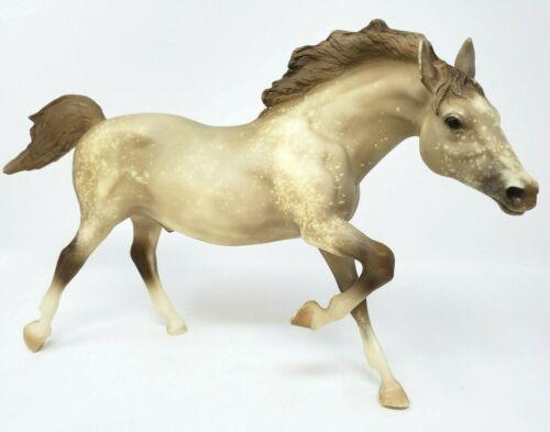 Breyer Model Horse Running Stallion Lone Star Dapple Grey Snowflake #928 EUC