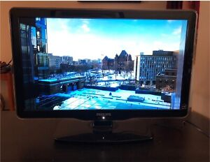 """Philips 22"""" flatscreen LCD TV"""