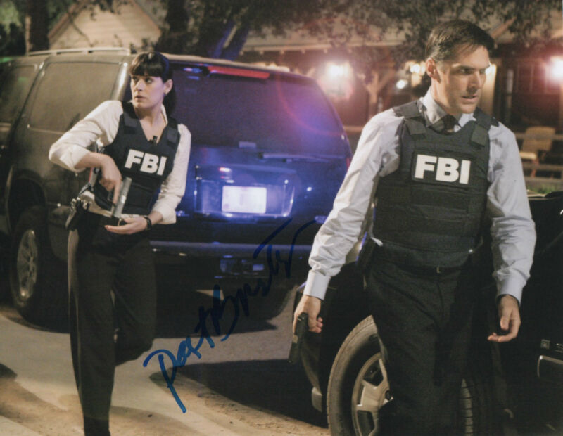 GFA Criminal Minds * PAGET BREWSTER * Signed 8x10 Photo AD5 PROOF COA