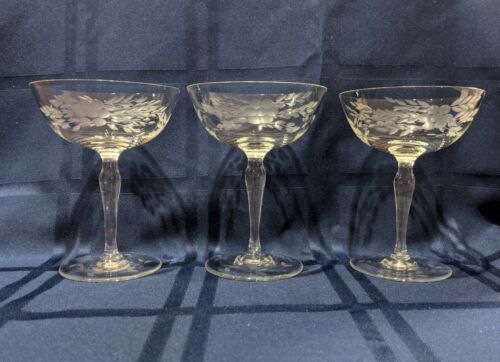 "Beautiful Set of 3 Vintage 5""  Wine Glasses Etched Bowl & Base, Curved Stem"