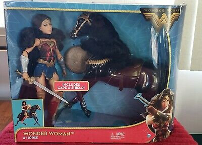 D14 Wonder Woman and Horse Gal Gadot Movie Dolls Set New In Box
