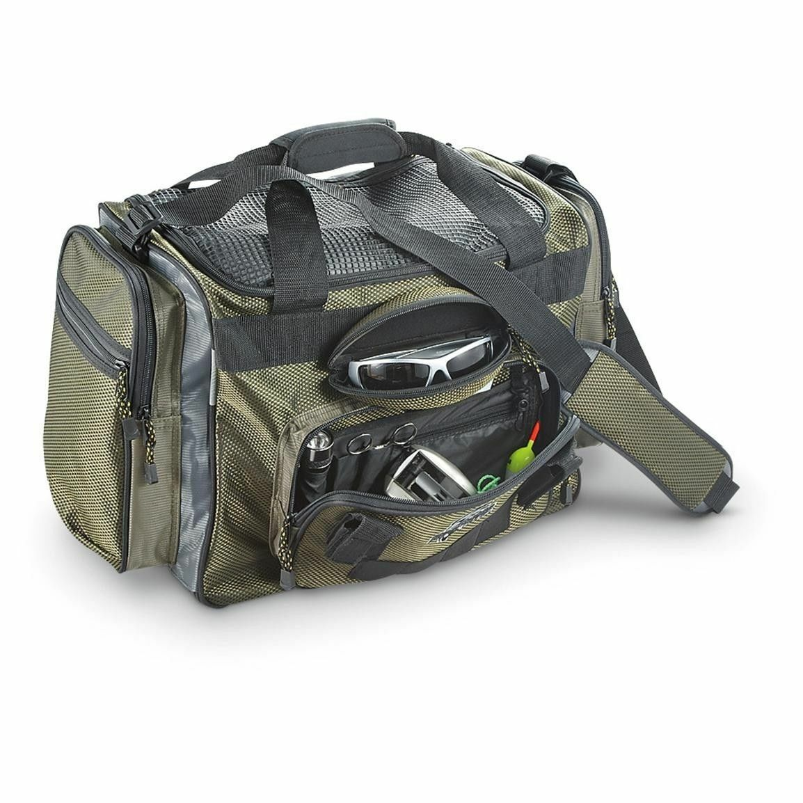Okeechobee fats deluxe large green fishing tackle bag for Fishing tackle bag