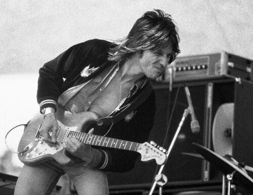 "JEFF BECK in concert in Oakland, California 1977 12"" X 18"" Photo Steve Carlisle"