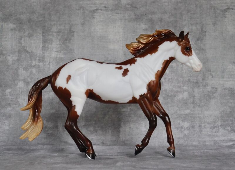 Breyer Notoriously Framed~Long Mane Version, Collectors Club 2021