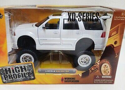 Jada Toys High Profile Lincoln Navigator 1:24 White