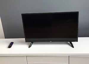 RCA Roku TV 32 inch / 32 pouces
