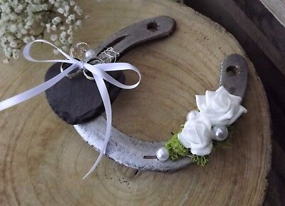 Ringkissen Ringhalter Hufeisen weiße Rosen Schiefer Herz für Eheringe Hochzeit
