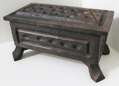 VINTAGE HAND MADE CARVED WOODEN FOOTED BOX / TRINKET JEWELLERY ANTIQUE CHEST 16