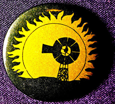Solar And Wind Energy   Great Graphic 1970S   Original  Pinback Scarce