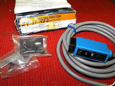 Micro Switch - Photoelectric Fiber Optic Sensor - Catalog Fe7c-fu2-m - New