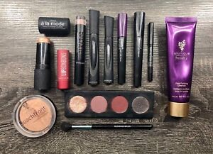 Makeup - mascara, eyeshadow, bronzer, lipsticks