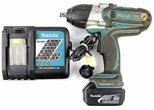 Makita Cordless Impact Wrench, battery and charger - DTW450 Morley Bayswater Area Preview
