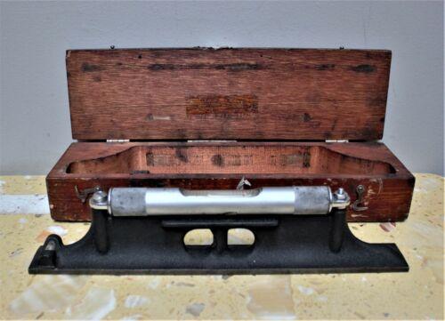 Starrett No. 98 Machinist Level In Wooden Box