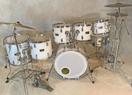 Pearl Export 7pce drum kit in Piano White finish [DK 0904]