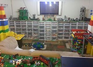 lego collection at woodstock  toy expo jann London Ontario image 1