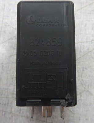 Lear Corp  824859  05 0206 10 Control Module