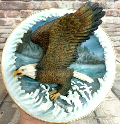 Vintage Amy & Addy Co Gray Rock Collection 3D Flying Eagle Wall Plaque 1997