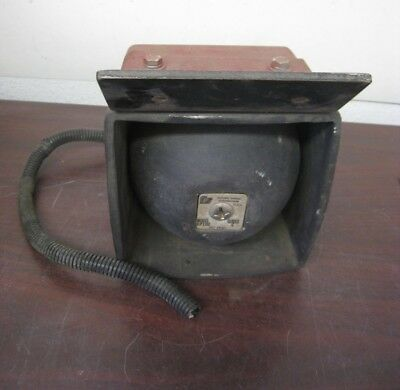 Federal Signal Corporation Bp100 Siren External Motorcycle Speaker W Bracket