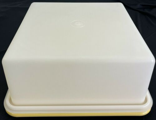 Tupperware 1241 Square Cake Taker Cake Carrier Harvest Gold Base (No Strap)