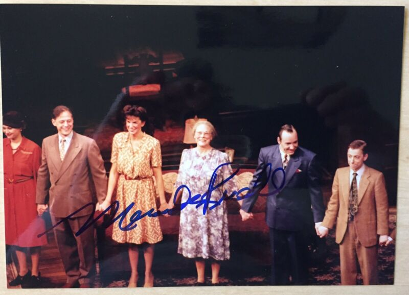 "Mercedes Ruehl Signed Photo  7""X5""  Pictured Cast Of Lost in Yonkers On Broadway"