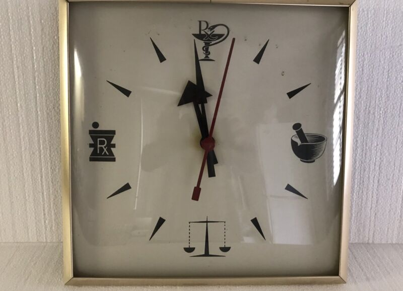 Vintage Antique Pharmacy Apothecary Wall Clock Curved Glass Romaine Pierson N.Y.