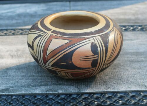 """An Unsigned Antique Hopi bowl in the Nampeyo Family Style 3"""" deep x 5 1/2""""d"""