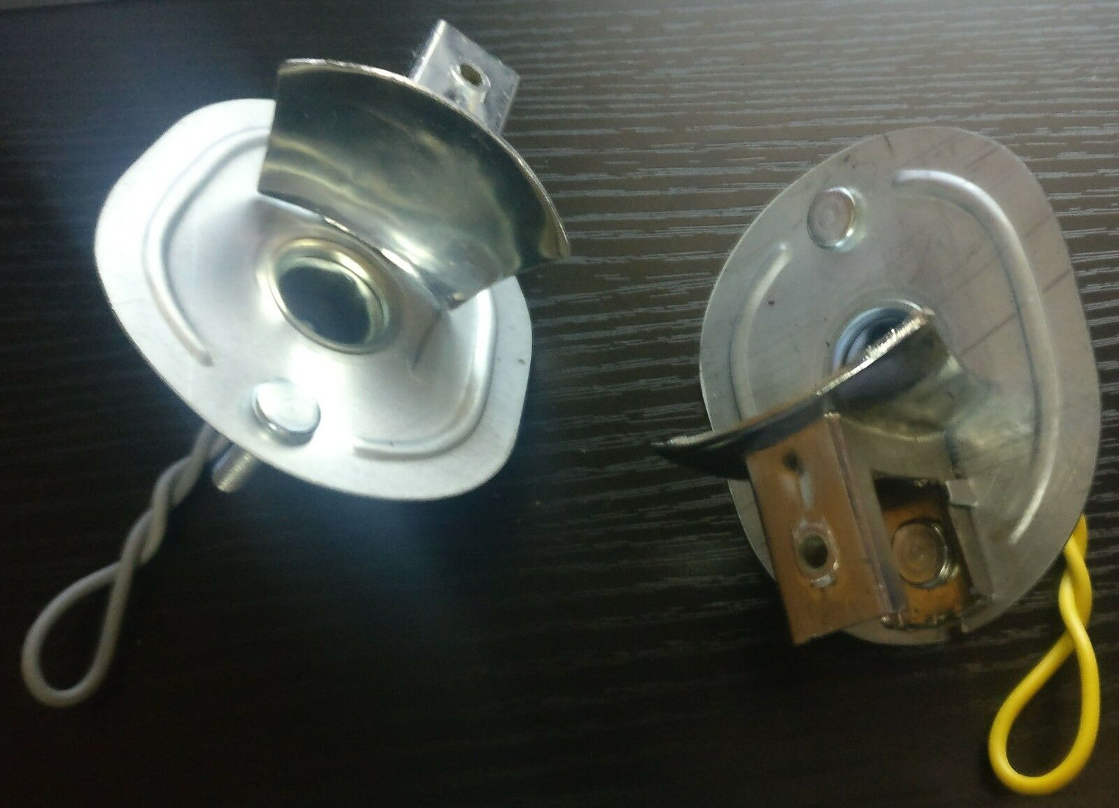 VW BUG Turn Signal Light 2pcs Steel  Base Assembly Socket Bulb BEETLE 1964-1974
