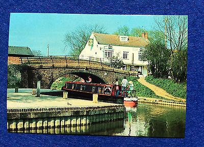 Vintage postcard: Oxford Canal, Cropredy Wharf, Mistle Thrush boat Fenny Marine