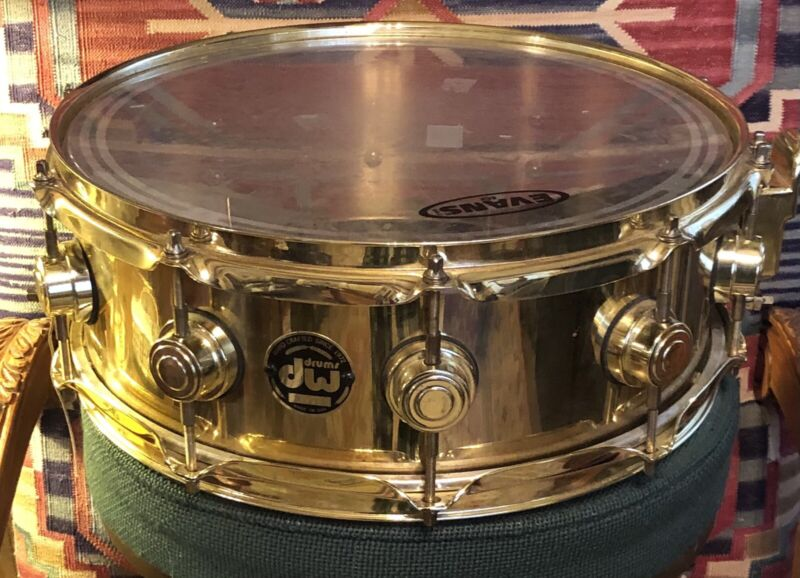 DW 5 3/4 x 14 3/8 Polished Bell Brass Snare Drum w/ Gold Hardware - Black Badge