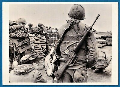 vintage photo US Marine soldier w M 16 gun & guitar Khe Sanh Vietnam war 1968