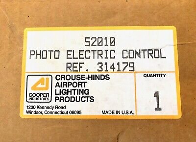Cooper Crouse Hinds 52010 Photoelectric Control