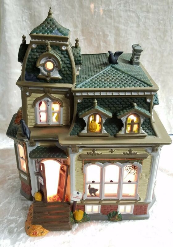 Dept 56 Snow Village Halloween - Haunted Mansion #54935 - EUC - Tested