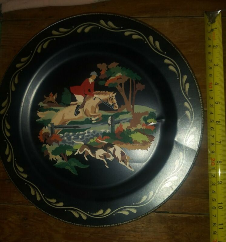 Vintage hand painted hp equestrian horse rider hunt painted wall pocket plate