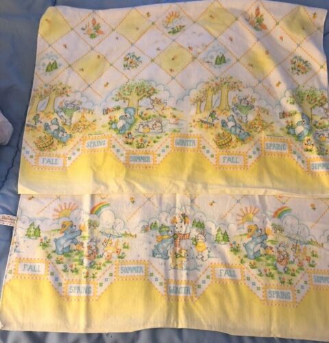 2 Vintage DUNDEE baby receiving blankets Country Sunshine Se