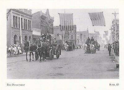 Postcard  The Fire Department   Parade In Statesman   Idaho  A26 1