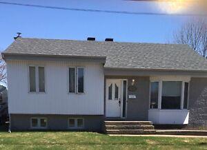 Maison à vendre à Sainte-Anne des Plaines