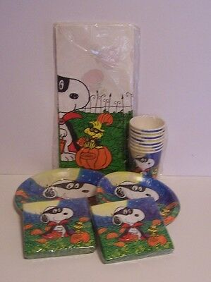 Snoopy Woodstock Vampire Halloween Plates Napkins Cup Table Cover Peanuts Lot