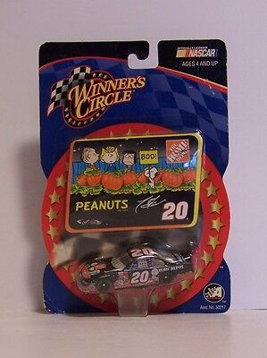 Snoopy Halloween Die-cast Car NASCAR Home Depot Tony Stewart Peanuts Pumpkin