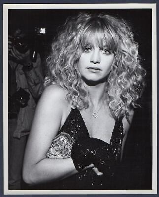 Actress GOLDIE HAWN Paparazzi Candid ORIG PHOTO From Globe Photos 8x10 - $24.95