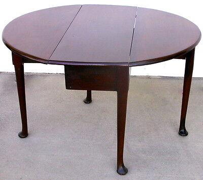 Antique George II VIRGINIAN WALNUT drop leaf TABLE - HTF