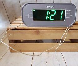 Timex Large Bright Green Display Alarm/Clock/Radio w/Aux Port T231Y
