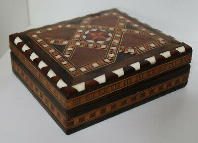 VINTAGE HAND MADE MARQUETRY MOP WOODEN BOX ANTIQUE JEWELLERY CARVED CHEST 18