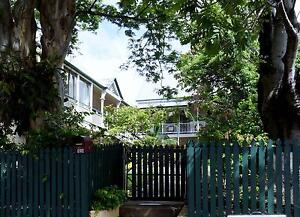 COSY SINGLE ROOM WITH SHARED BATHROOM IN BEAUTIFUL NEW FARM New Farm Brisbane North East Preview