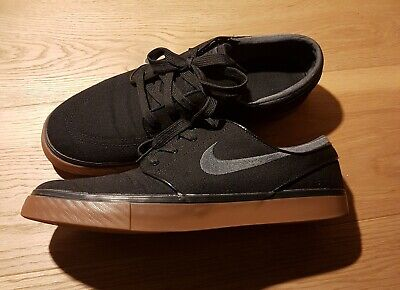 Nike SB Stefan Janoski Black Canvas Upper Gum Sole  UK 11.