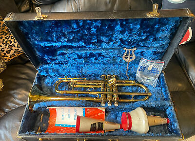 1940's Vintage Conn 22B Trumpet with Case, Mutes & Conn Gold Tone Mouthpiece #26